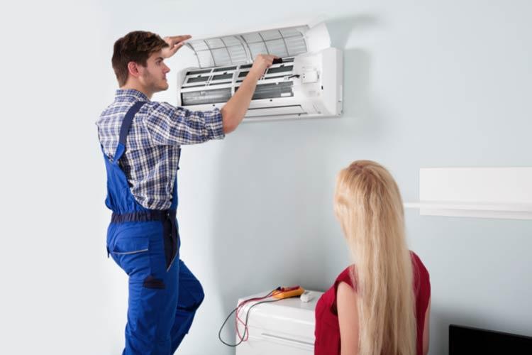 Znakovi-koji-ukazuju-da-vam-je-potreban-hitan-servis-klima-uredaja